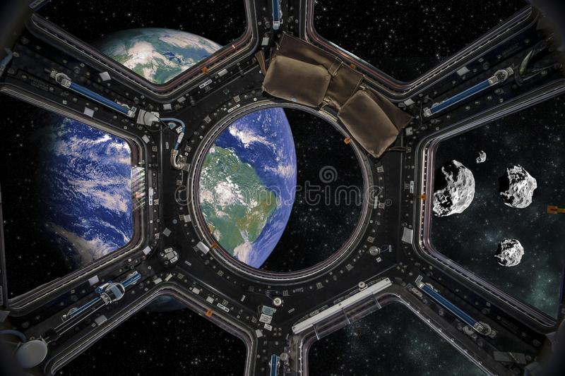 Vue de la terre d'un vaisseau spatial ?l?ments de cette image meubl?s par la NASA illustration stock