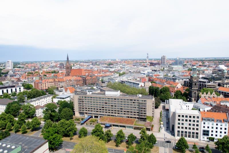 Vue de la tour du hall civil sur le paysage urbain et la structure établie de Hanovre Allemagne photo libre de droits