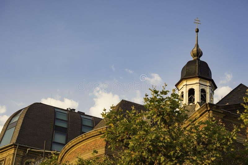 Vue de la tour sur Josephskapelle à Dusseldorf, Allemagne images stock
