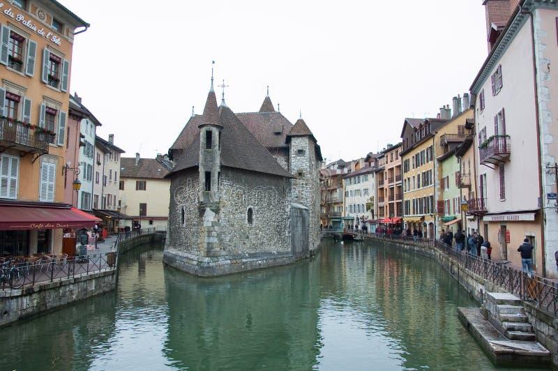 Vue de la vieille prison à Annecy images libres de droits