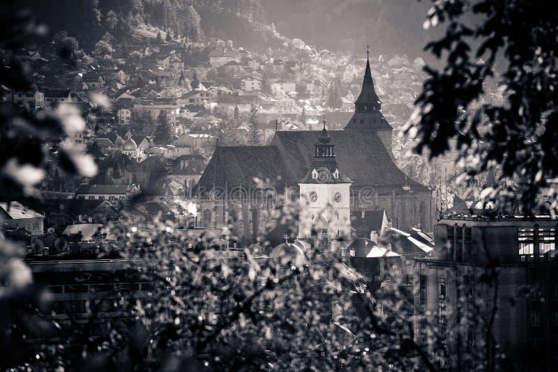 Vue de la vieille ville de Brasov située dans la région centrale de la Roumanie photographie stock libre de droits