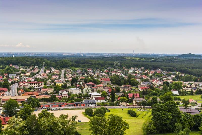 Vue de la ville d'Olsztyn près de Czestochowa en Pologne photographie stock libre de droits