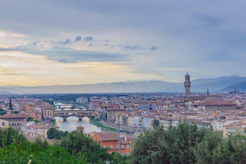 Vue de la ville de Florence, Italie sous le coucher du soleil, vu de pi images stock
