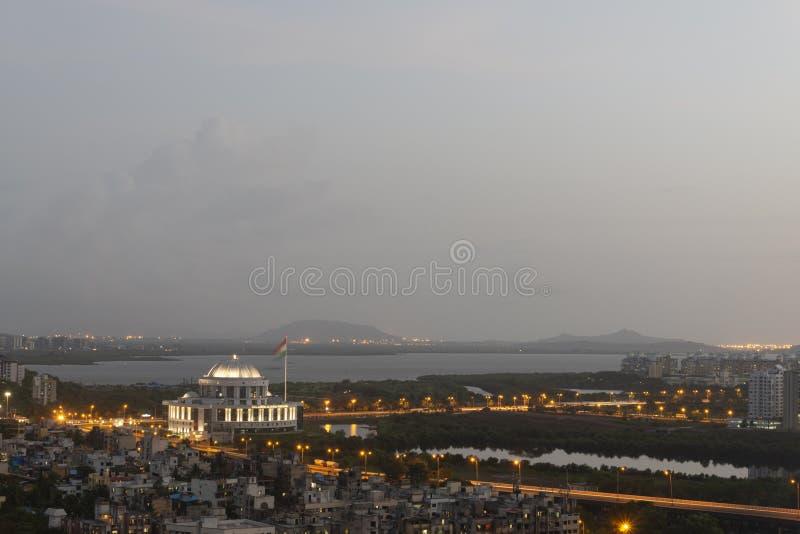 Vue de la ville de Navi mumbai depuis Parsik Hill, Belapur, Navi Mumbai, Maharashtra, Inde photo libre de droits