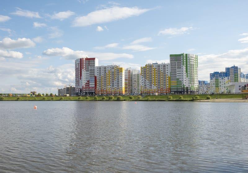 Vue de la ville de Penza de la rivière photos stock