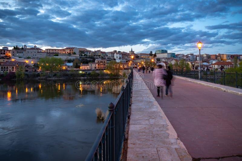 Vue de la ville de Zamora de la rivi?re Espagne de Douro photo libre de droits