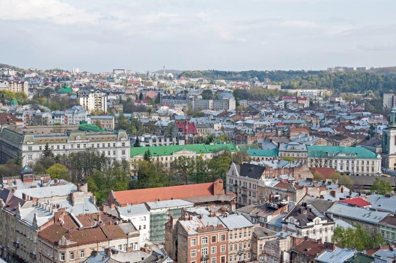 Vue de la zone résidentielle avec des maisons et des rues d'en haut photographie stock libre de droits