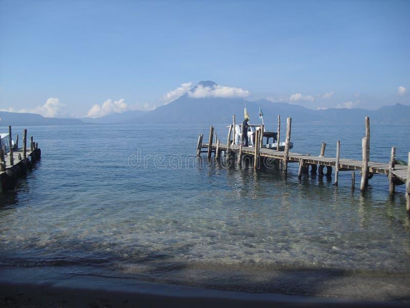 Vue de lac Atitlan dans Panajachel Solola, Guatemala1 image stock
