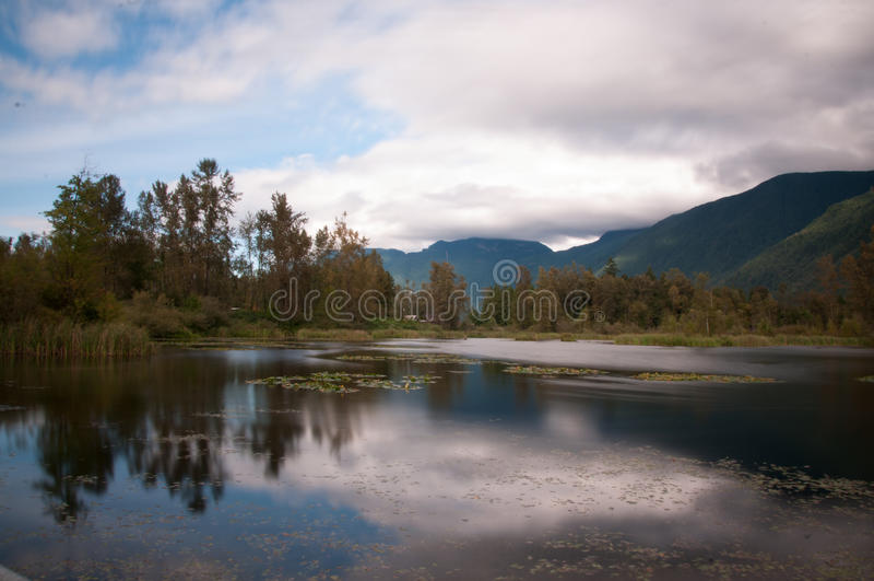 Vue de lac Cheam image stock