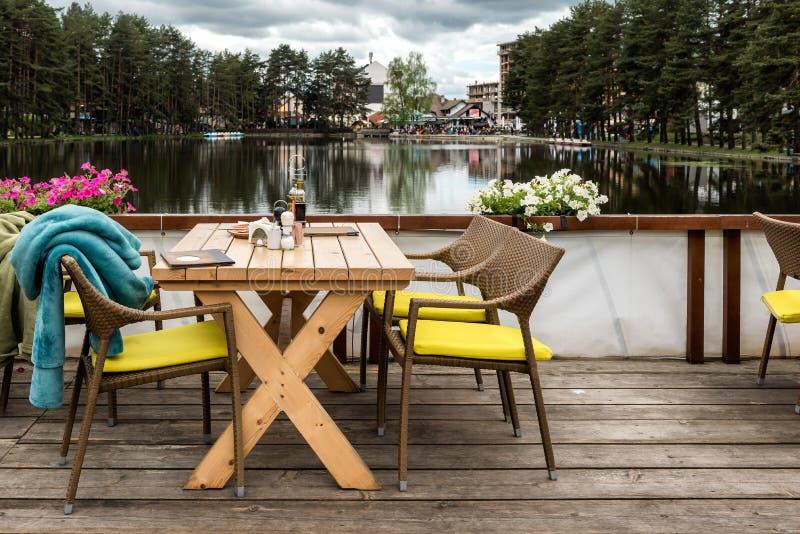 Vue de lac dans Zlatibor, Serbie photographie stock libre de droits