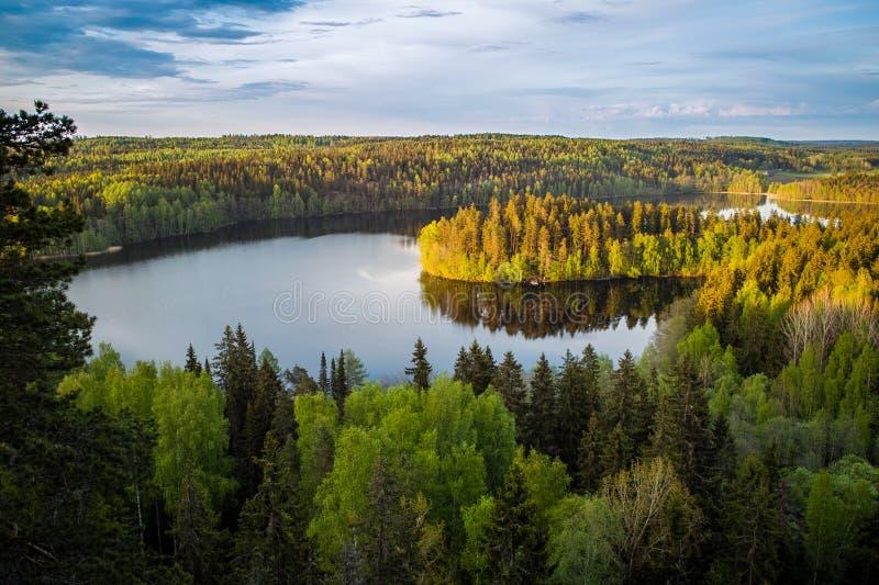 Vue de lac en Finlande photographie stock libre de droits