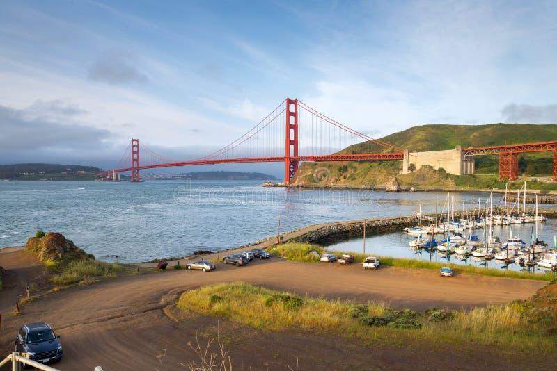 Vue de lever de soleil de golden gate bridge, San Francisco (vue de photos libres de droits