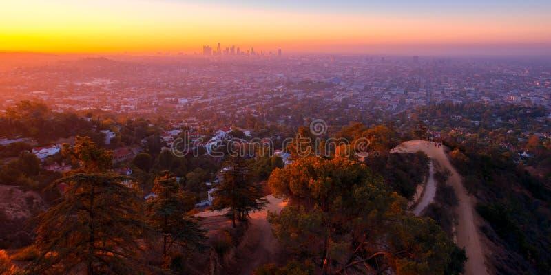 Vue de lever de soleil de Griffith Observatory images libres de droits