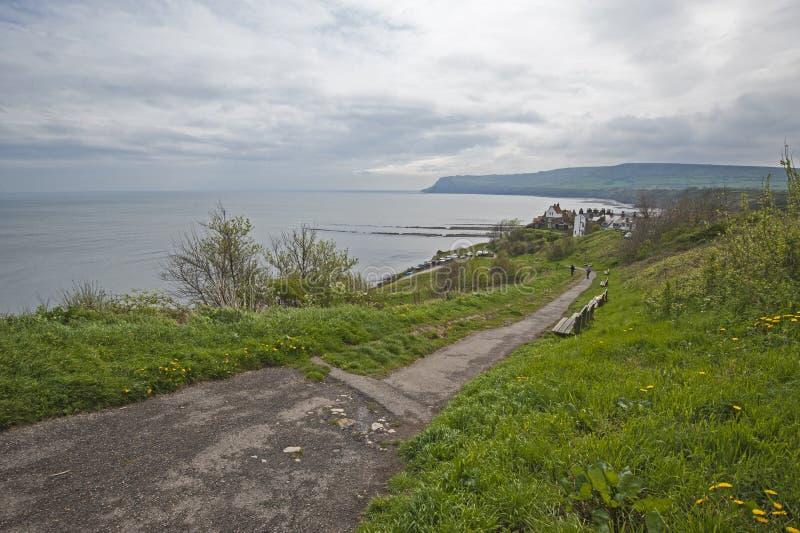 Vue de littoral anglais le jour obscurci images libres de droits
