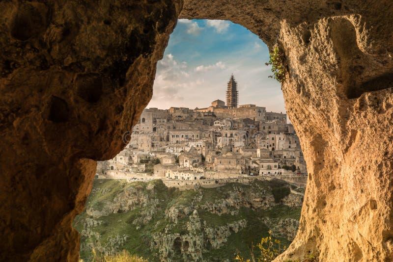 Vue de Matera d'une caverne photographie stock
