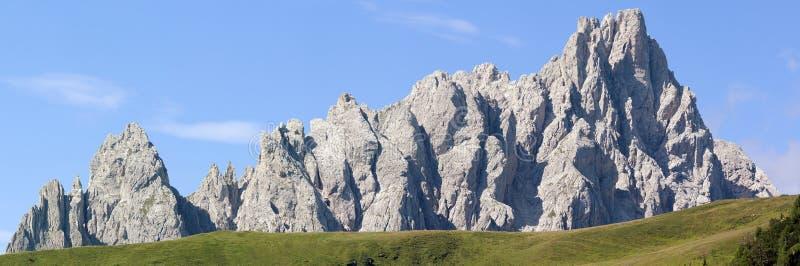 Vue de matin de Karnische Alpen image stock