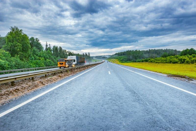 Vue de matin de route photos stock