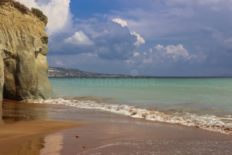 Vue de mer et ciel nuageux avant la tempête photo libre de droits