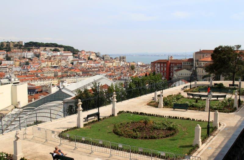 Vue de Miradouro Sao Pedro de Alcantara, Lisbonne images libres de droits