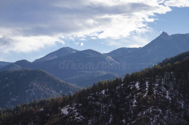 Download Vue De Montagne Le Colorado De Cheyanne Photo stock - Image du overlooking, montagne: 87706872