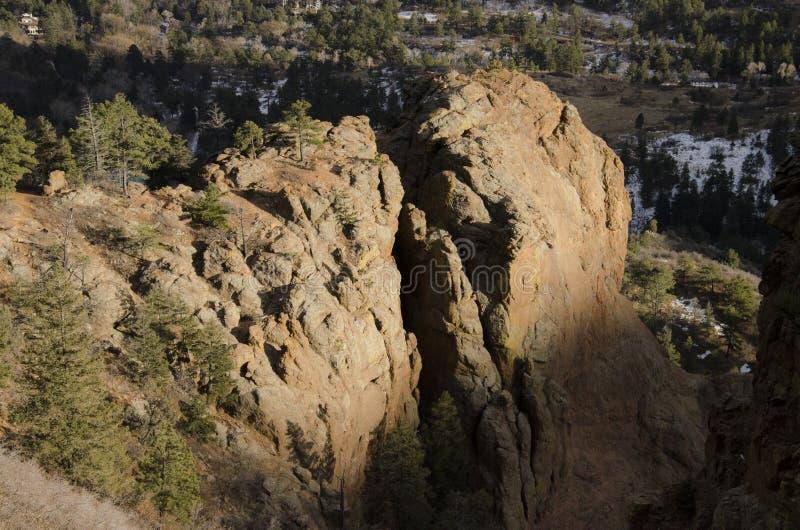Download Vue De Montagne Le Colorado De Cheyanne Image stock - Image du rocheux, arbres: 87706889