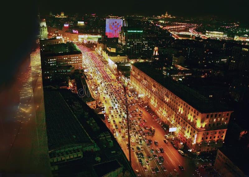 Vue de Moscou de nuit d'hôtel image stock