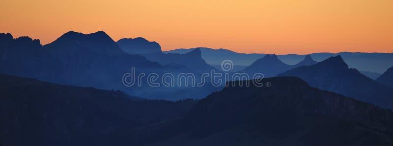 Vue de Mt Niesen au coucher du soleil photographie stock