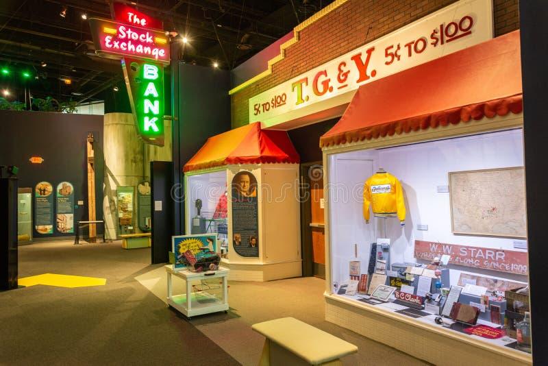 Vue de Nterior des affichages de musée au centre d'histoire de l'Oklahoma à Oklahoma City, CORRECTE photographie stock