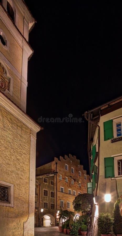 Vue de nuit de Bressanone photographie stock