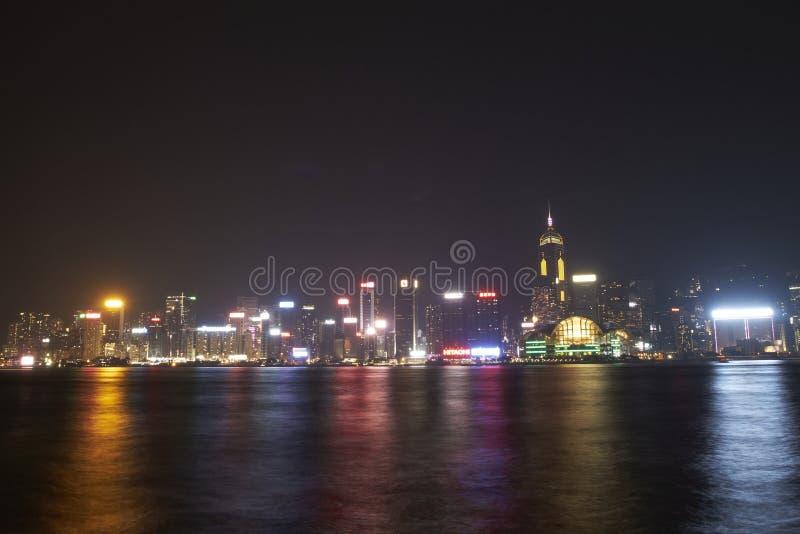 Vue de nuit chez Tsim Sha Tsui photos stock