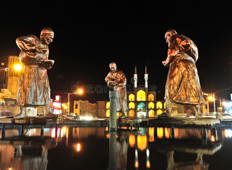 Vue de nuit dans Yazd images stock