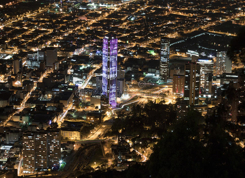 Vue de nuit de Bogota photo libre de droits