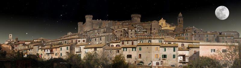 Vue de nuit de Bracciano image libre de droits