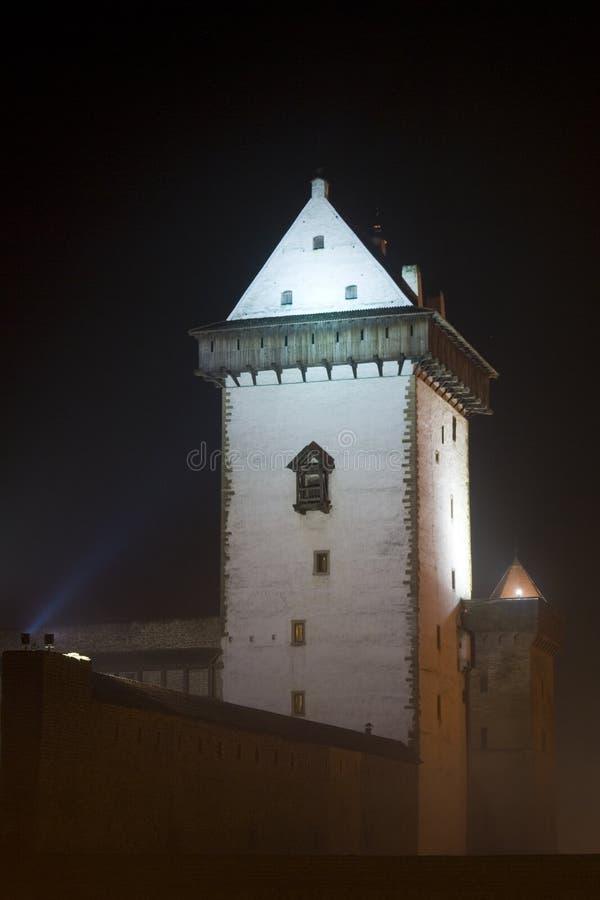 Vue de nuit de château de Herman. image libre de droits