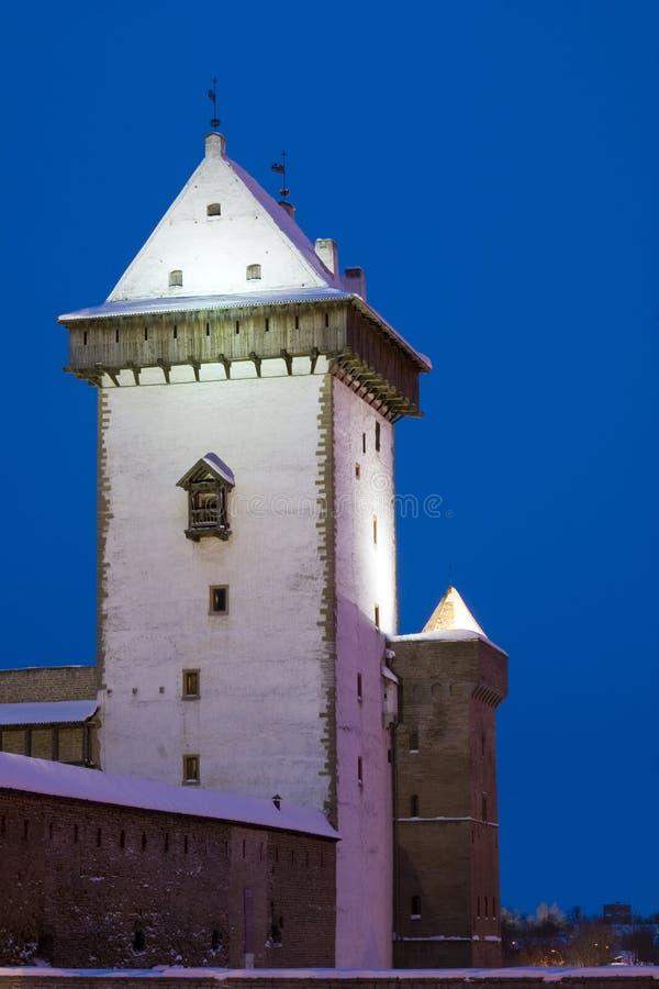 Vue de nuit de château de Herman. photographie stock