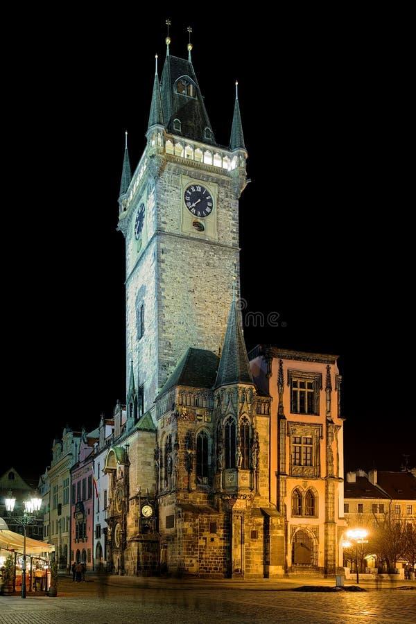 Vue de nuit de vieille ville hôtel de ville à Prague photographie stock libre de droits