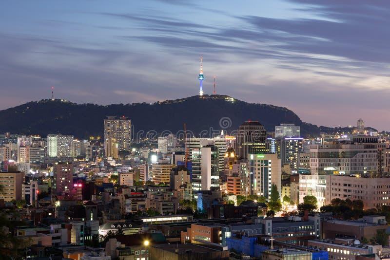 Vue de nuit de ville de Séoul, Corée du Sud photos stock
