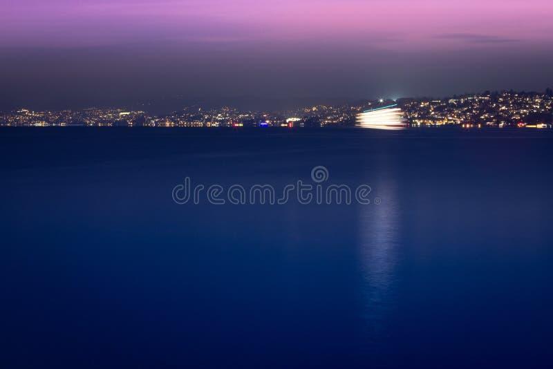 Vue de nuit de Zurich images stock