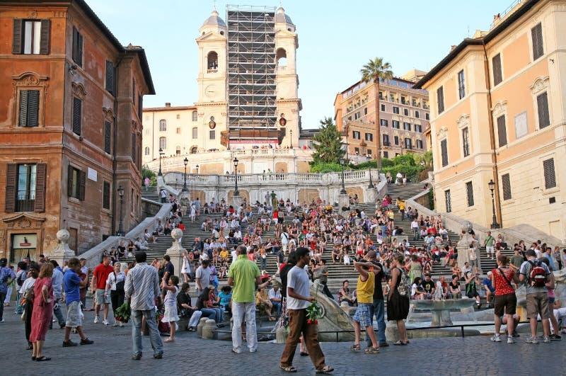 Vue de nuit des étapes espagnoles à Rome Italie images stock