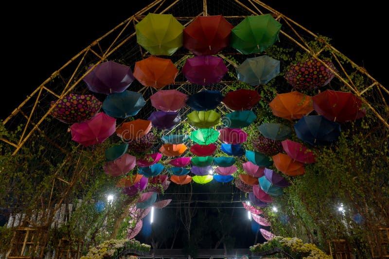 Vue de nuit du parc photographie stock