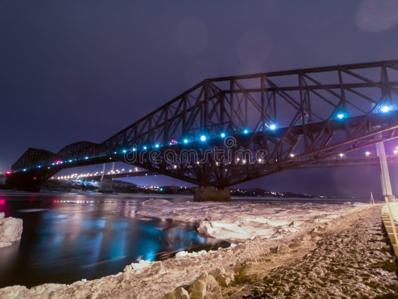 Pont de Québec et pont de Pierre-Laporte à Québec images stock