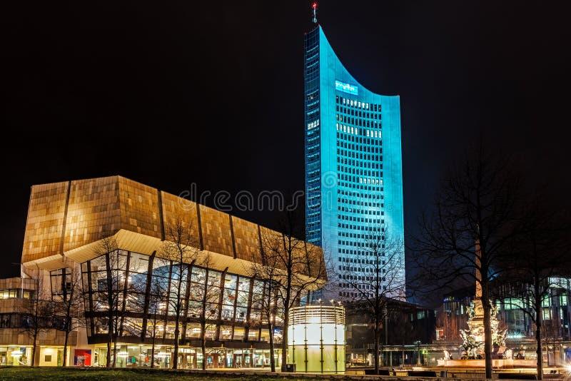 Vue de nuit de Gewandhaus images libres de droits