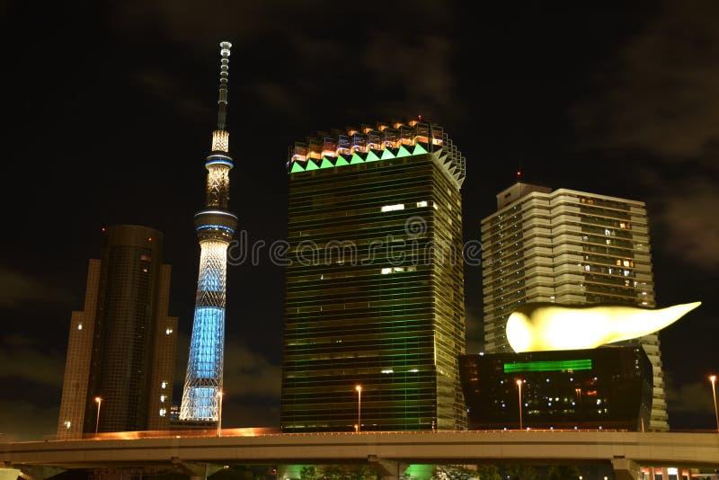 Vue de nuit, horizon de salle de Sumida, Tokyo, Japon avec des points de repère photos stock