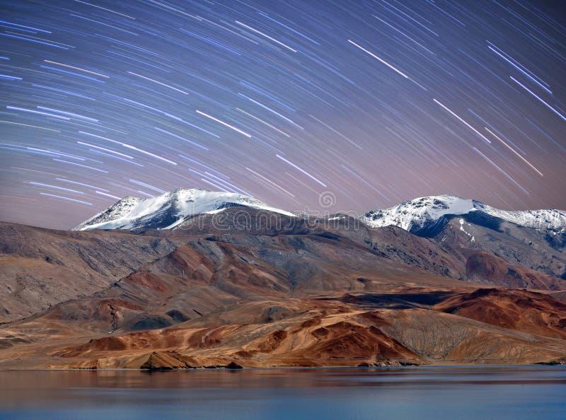 Vue de nuit de lac tso Moriri dans Ladakh, Jammu-et-Cachemire, Inde photo stock