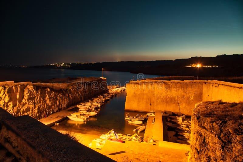 Vue de nuit de marina photographie stock