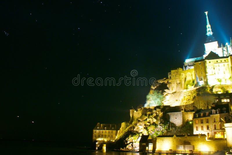 Vue de nuit de Mont-Saint-Michel photographie stock
