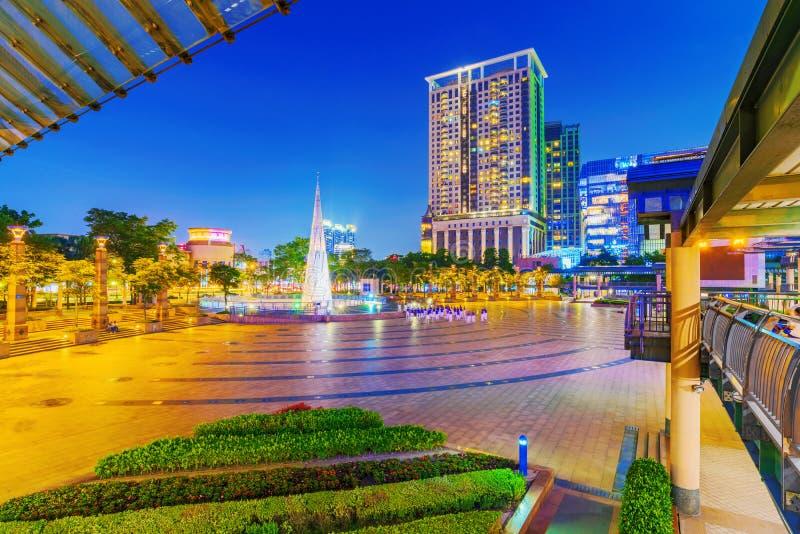 Vue de nuit de place de citoyen de Banqiao photo stock