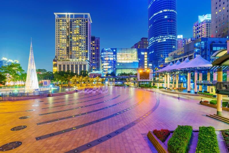 Vue de nuit de place et d'architecture de citoyen de Banqiao images stock