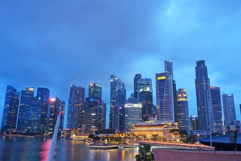 Vue de nuit de sable de Marina Bay à Singapour en décembre 2018 image libre de droits