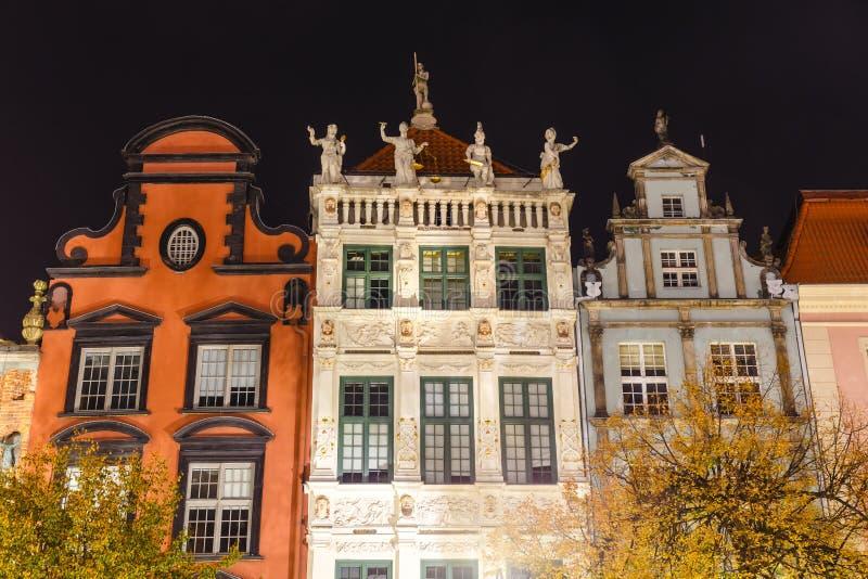 Vue de nuit sur la place du marché dans la vieille ville à Danzig, Pologne photographie stock
